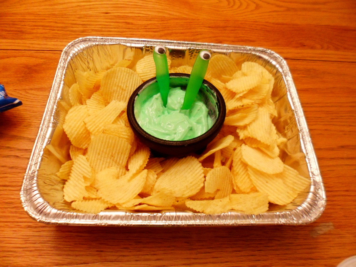 A fun way to serve alien themed chips and dip.