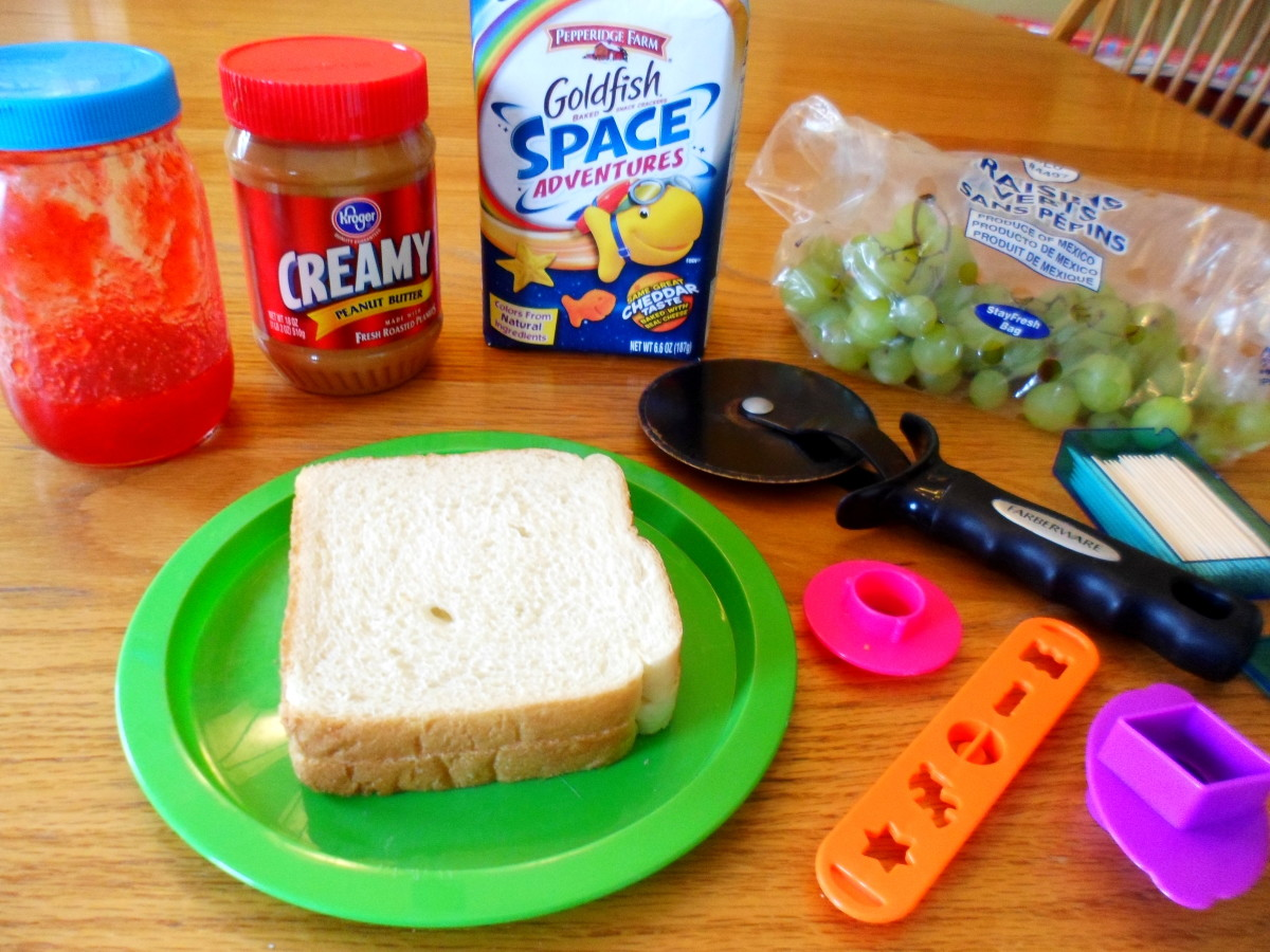 The ingredients to make an alien sandwich.