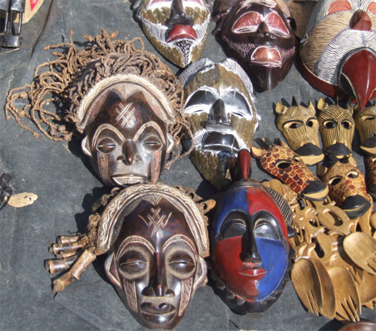 http://danielschereck.com/wp2006/wp-2006africa-namibiawindhoek01.htm