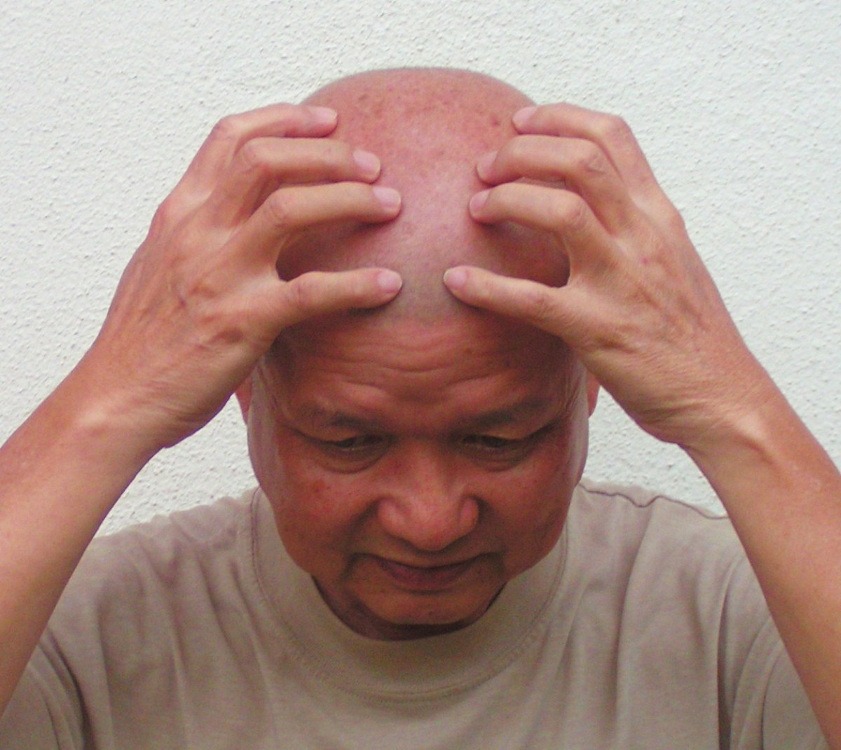 how-to-do-a-simple-head-massage