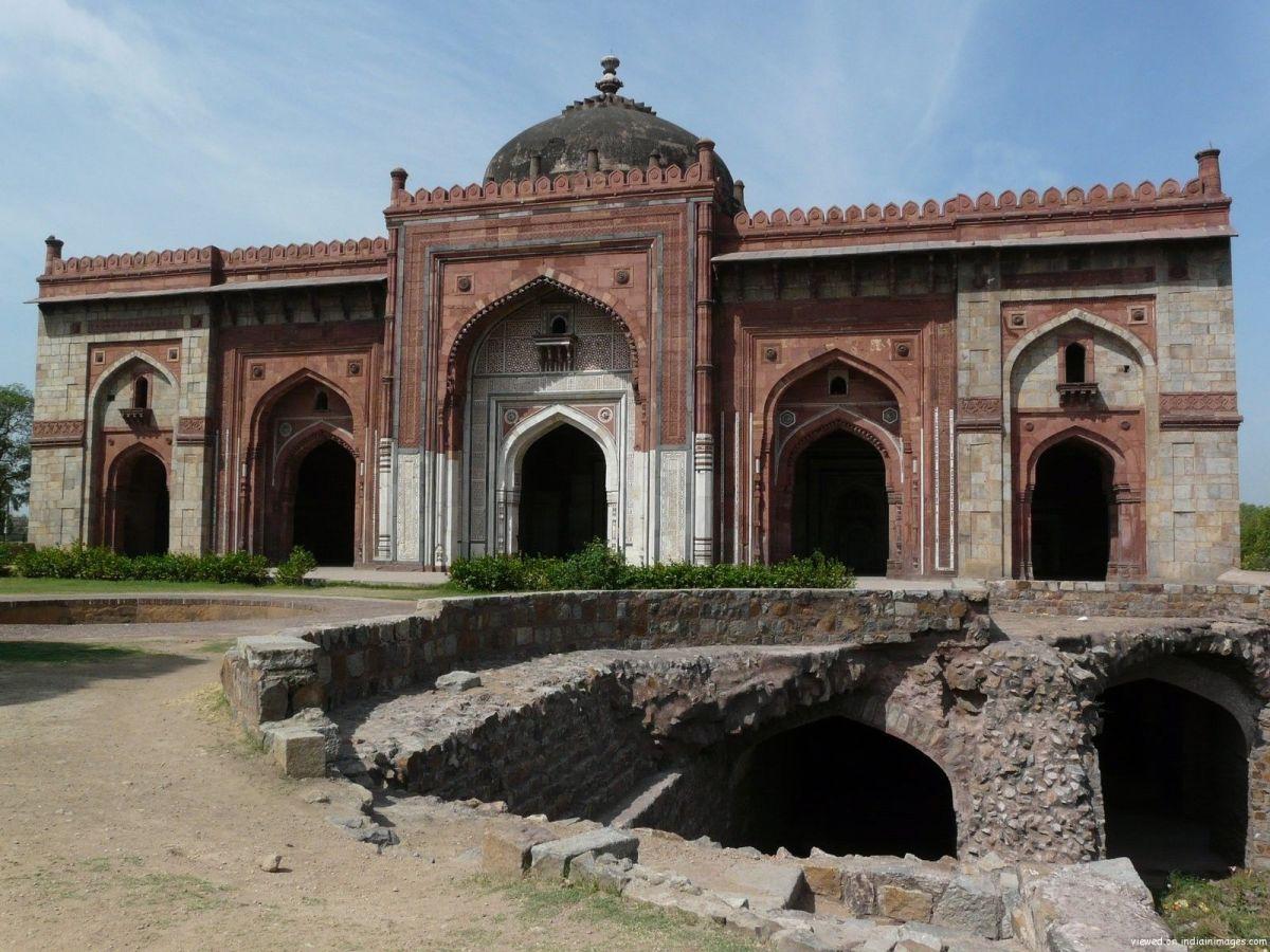 Qila-i-Kuna Mosque, Purana Quila, Delhi