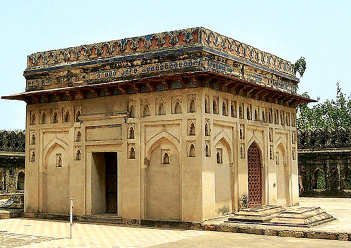 Tomb of Jamali Kamali