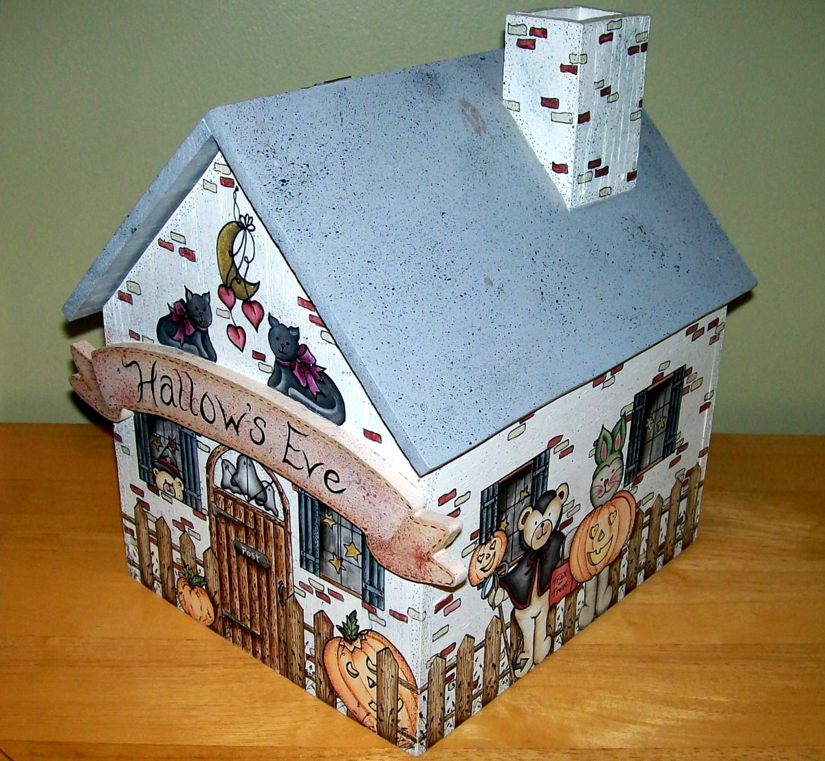 Storage box for Halloween candy painted by Patty Sypek/design by Kathi Walters