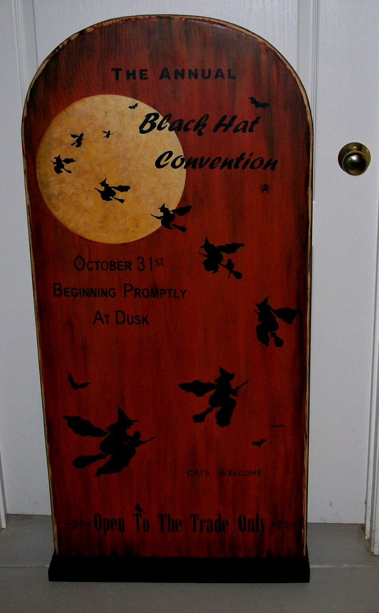 Large Halloween decoration painted by Patty Sypek