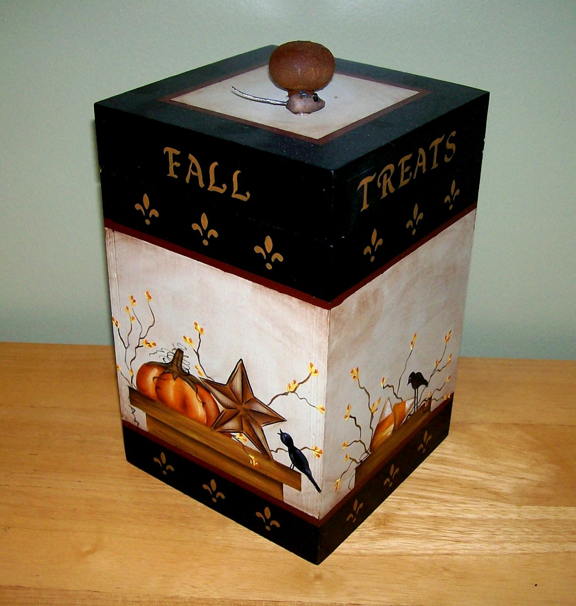 Fall storage box painted by Patty Sypek/design by Sonja Richardson