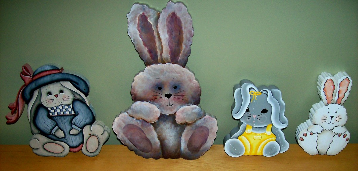 Cute Easter decorations painted by Patty Sypek
