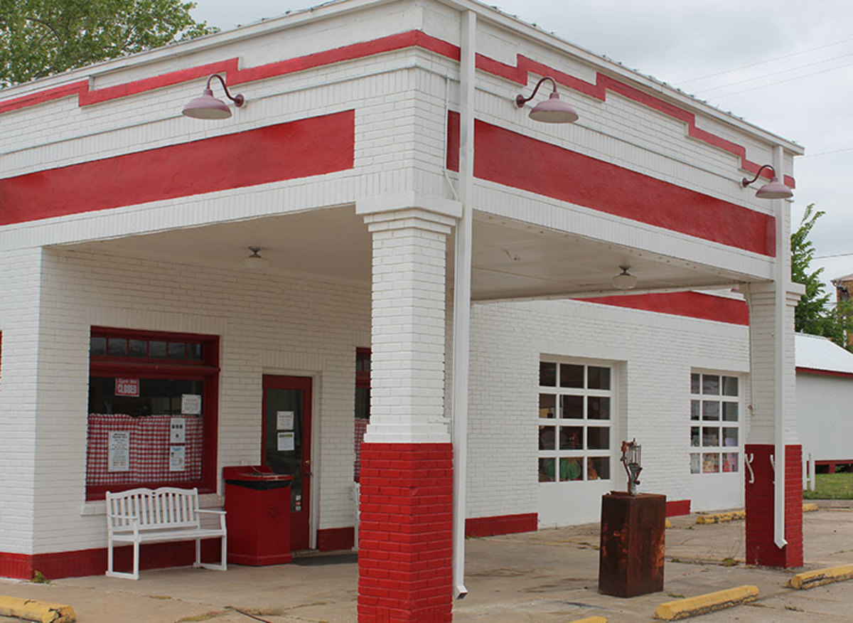 Vintage Gas Stations | Full service gas stations of the nostalgic past