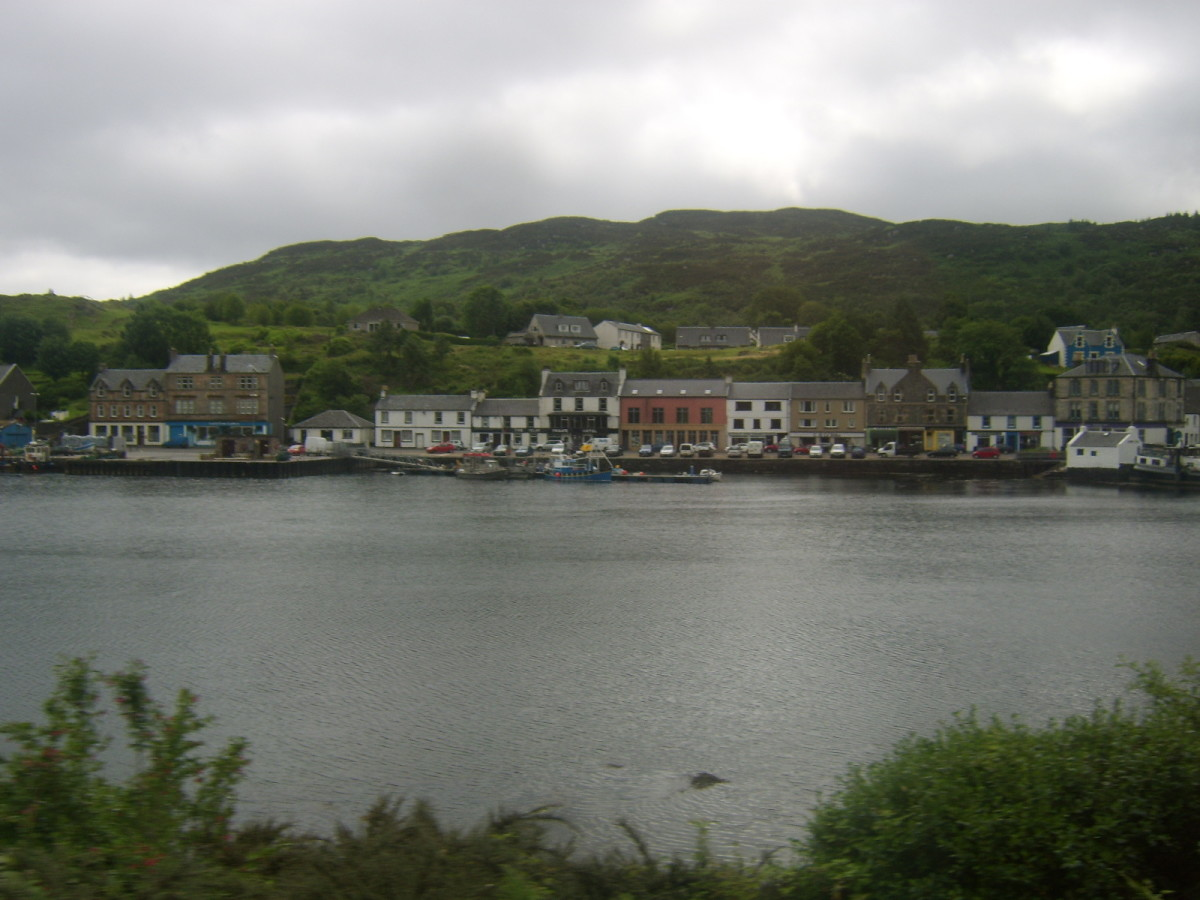 Entering Tarbert, about four miles short of Kennacraig