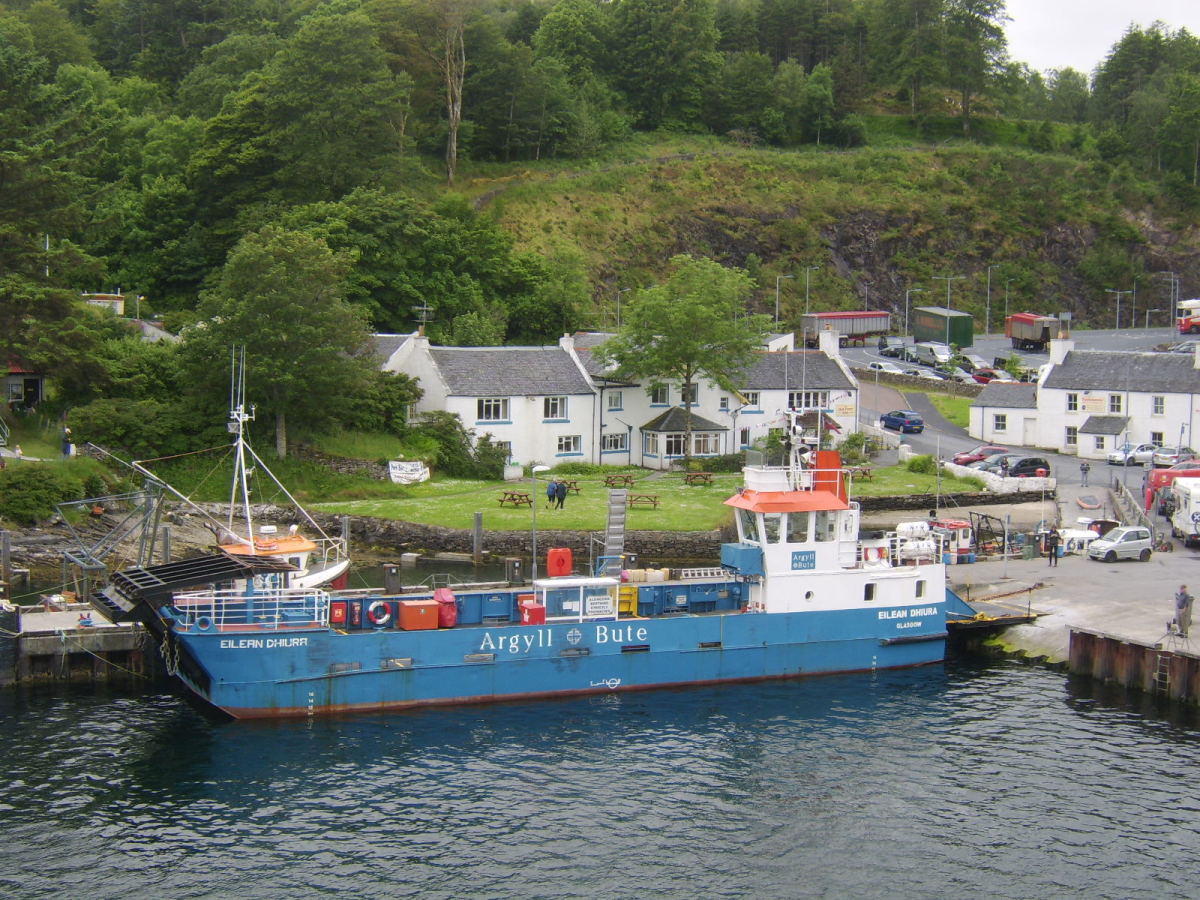 Port Askaig Hotel and the Islay-Jura ferry