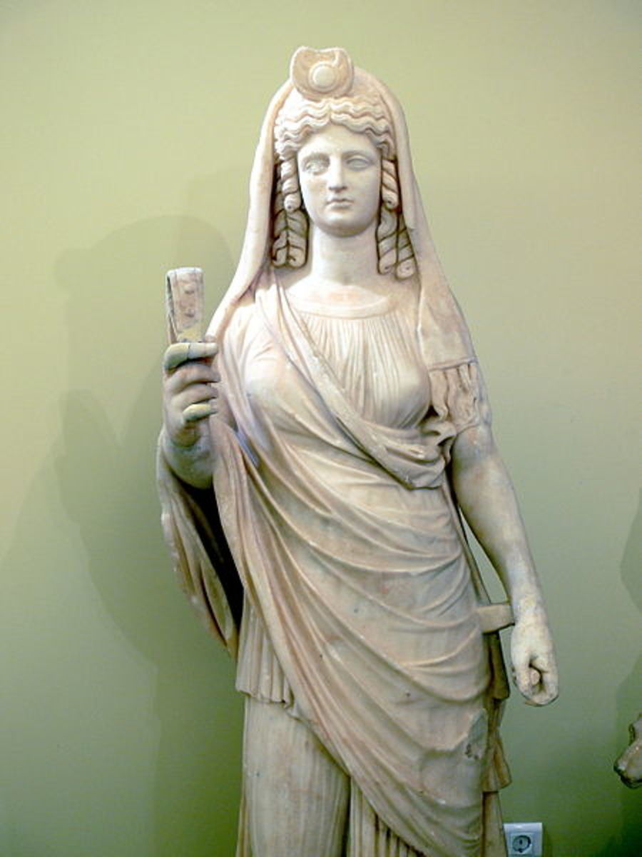 Statue of Isis-Persephone with a sistrum. Heraklion Archaeological Museum, Crete
