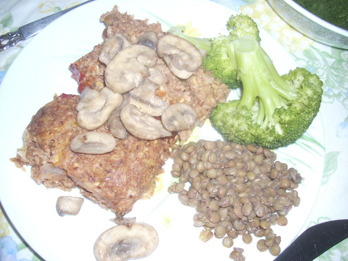 Vegie meatloaf with lentils and broccoli