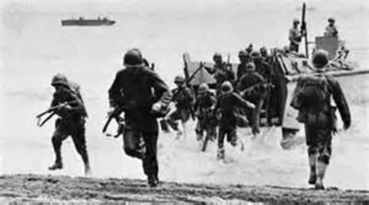 1st MarDiv assaults the beach at Lunga Point