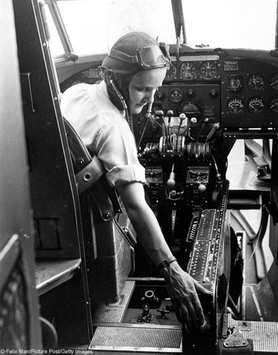Joan Hughes about to start a Lockheed Hudson