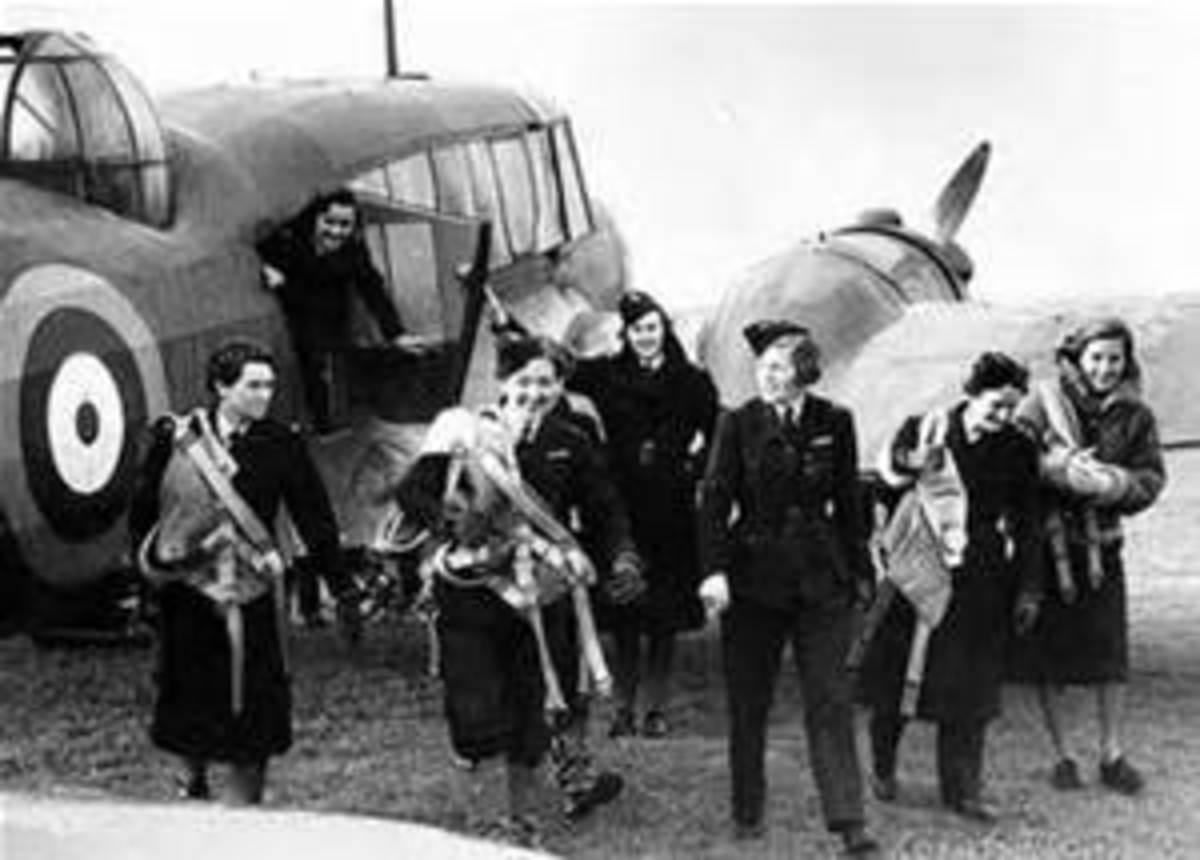Assembled women ATA pilots