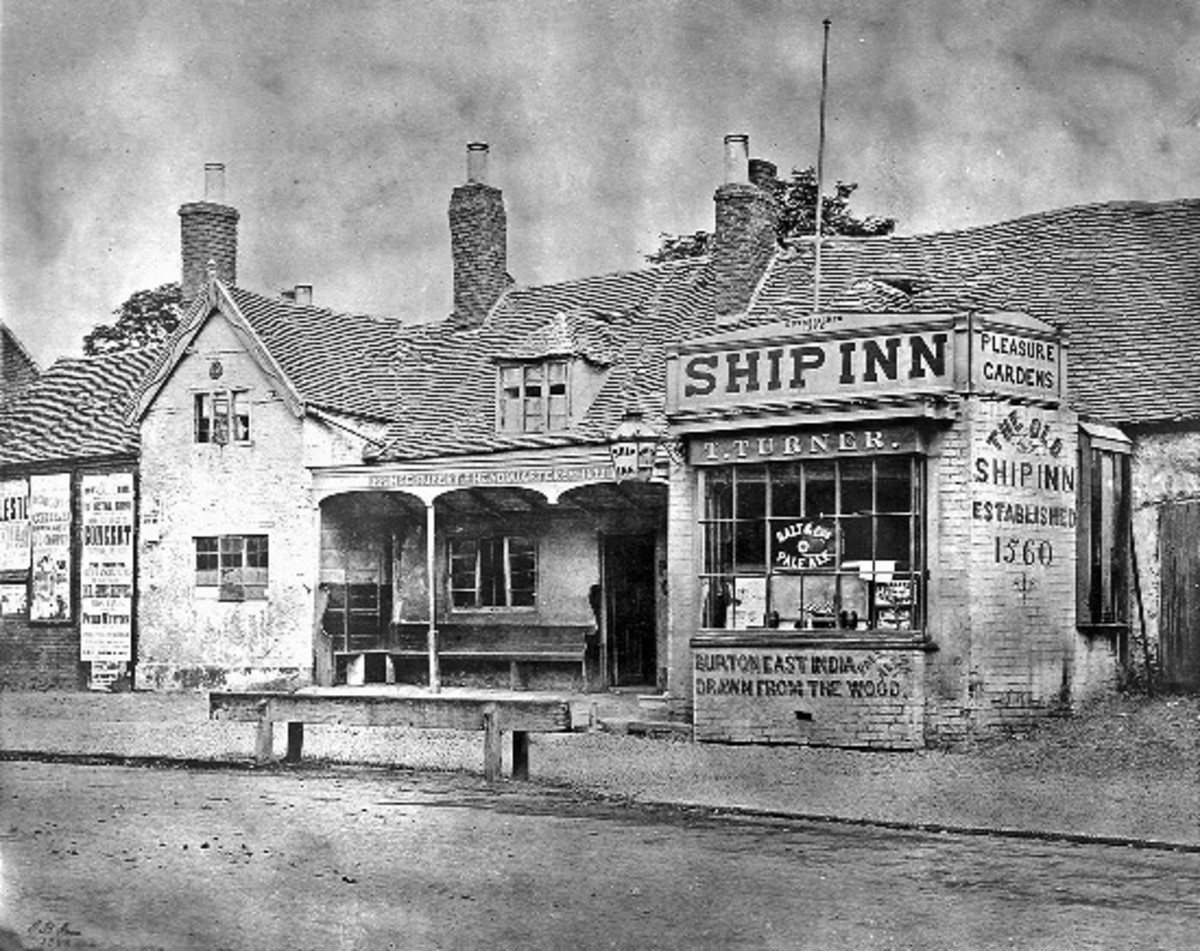 The legendary Ship Inn, thought to be Rupert's headquarters during the battle, survived until the late 19th century. Long enough for it to be photographed.