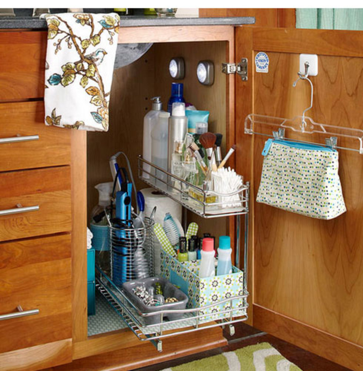 Pullout Storage | Click Pic for 42 DIY Bathroom Organization Ideas