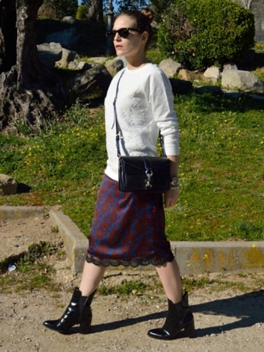 Midi pencil skirt with ankle boots