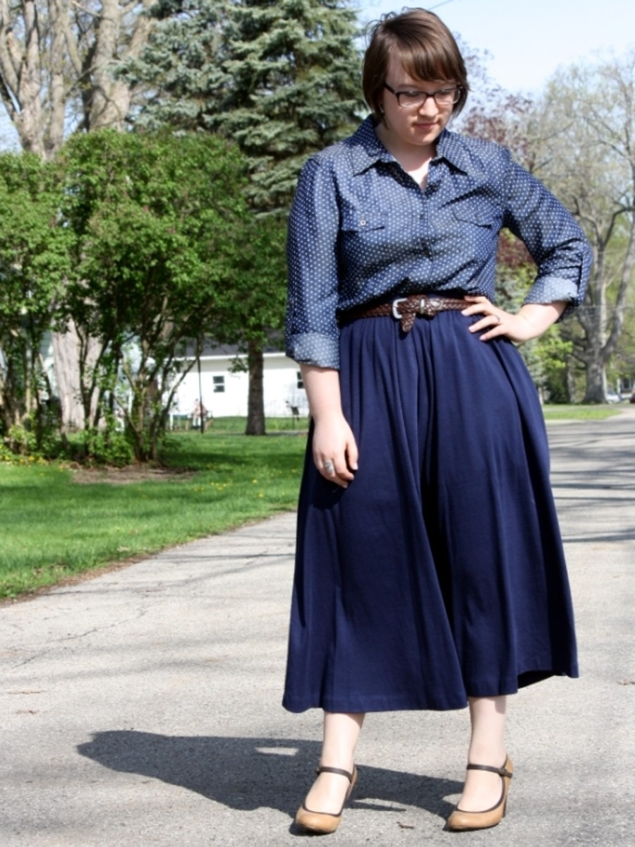 Plus size midi skirt outfit