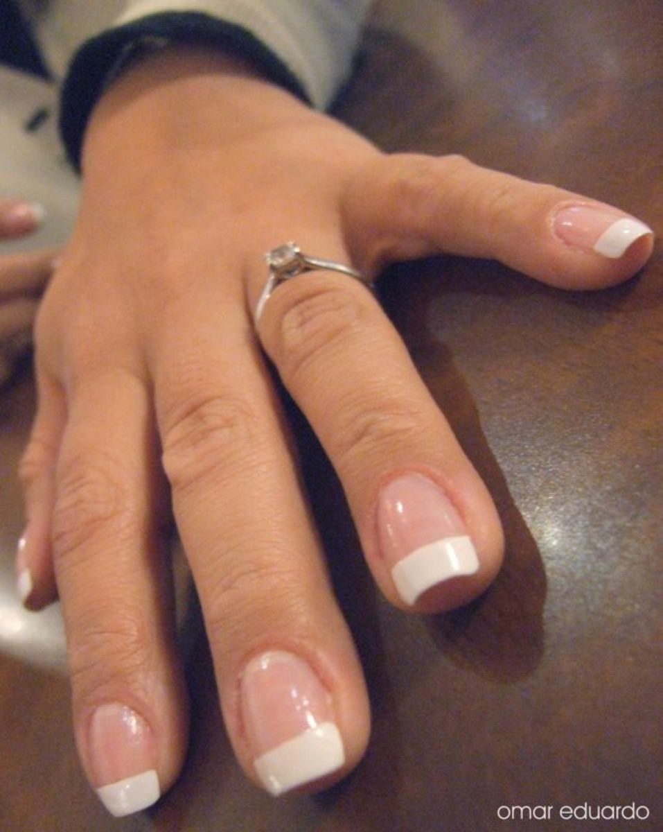 perfect-french-manicure-with-gel-or-cnd-shellac-nail-polish-an-at-home-how-to