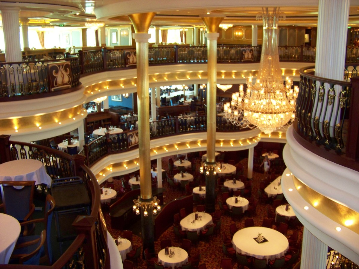 Independence of the Seas dining room