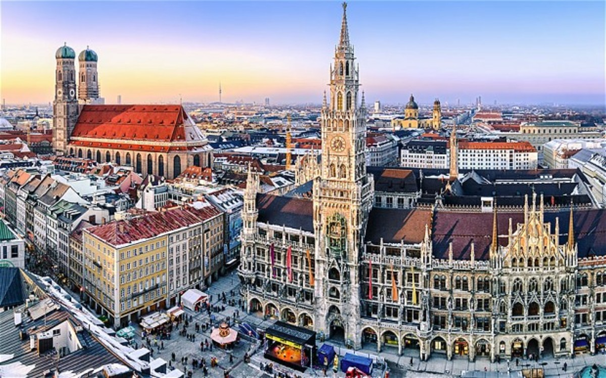 Marienplatz, the beautiful downtown center of Munich, Germany.