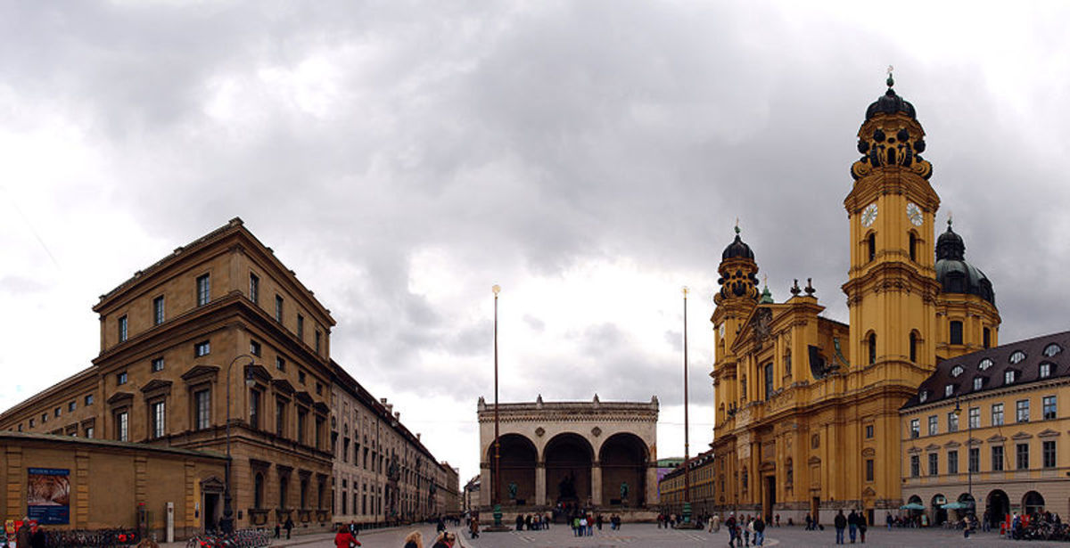 Odeonsplatz with Residenz (left), Feldherrnhalle (center) and Theatinerkirche (right)