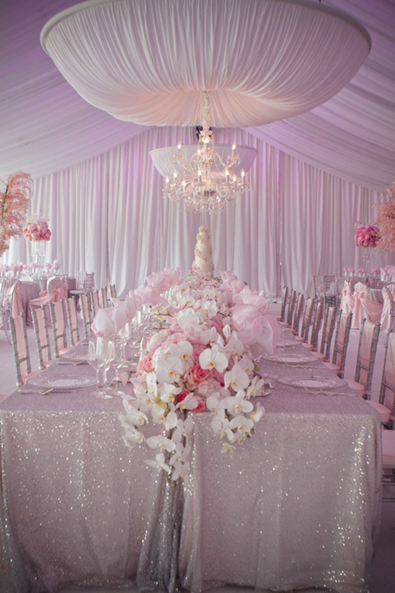 Wedding event in pastel colour and flowers