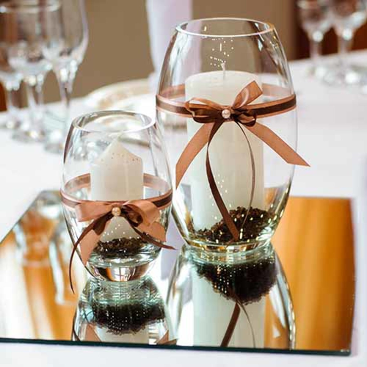 Mirror with candles center piece