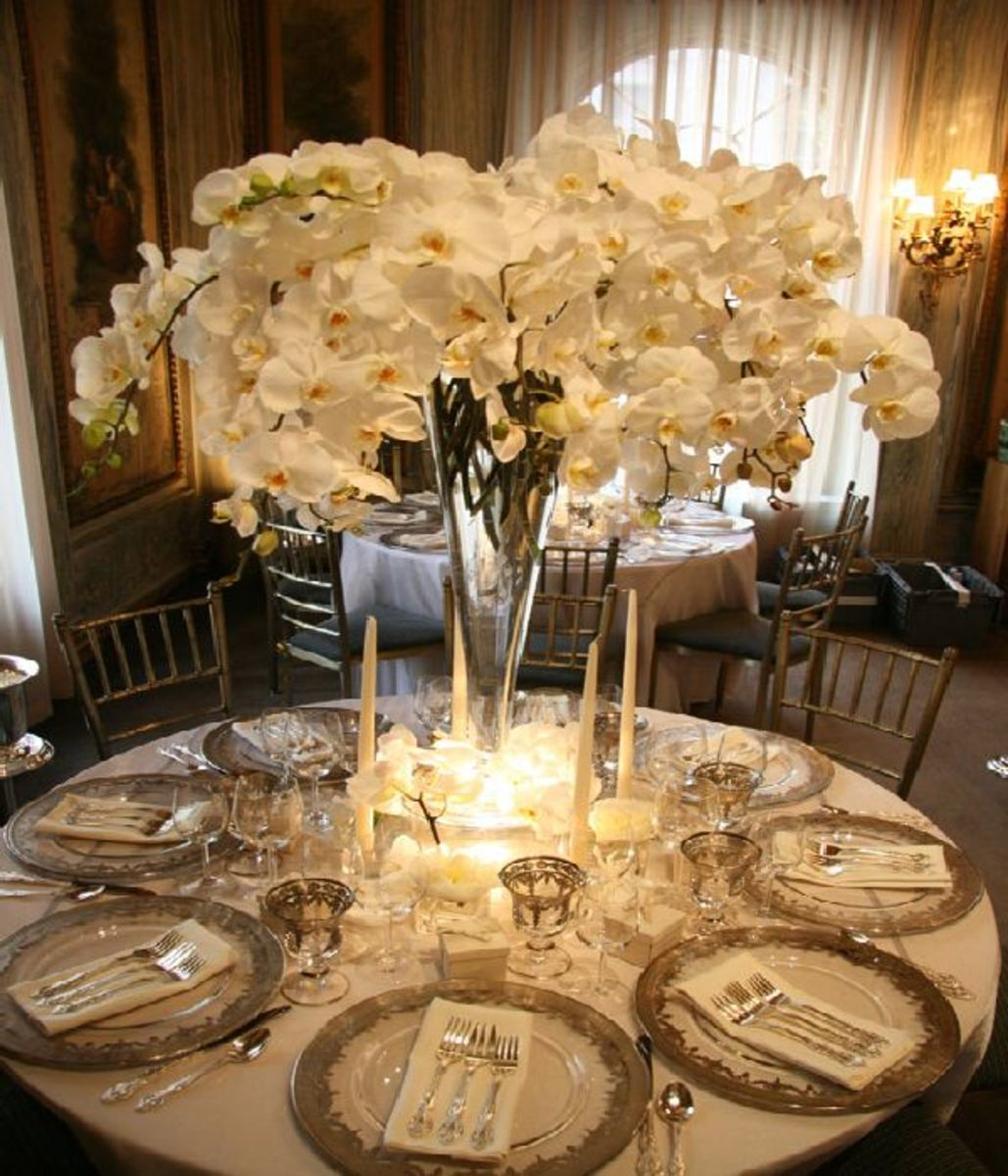 20 photos of wedding table d cor ideas creative table for Wedding party table decorations