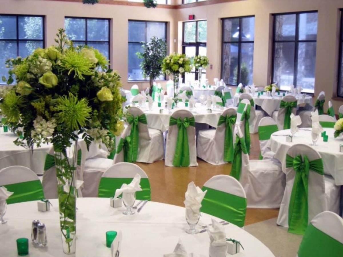 Green and white wedding interior decoration