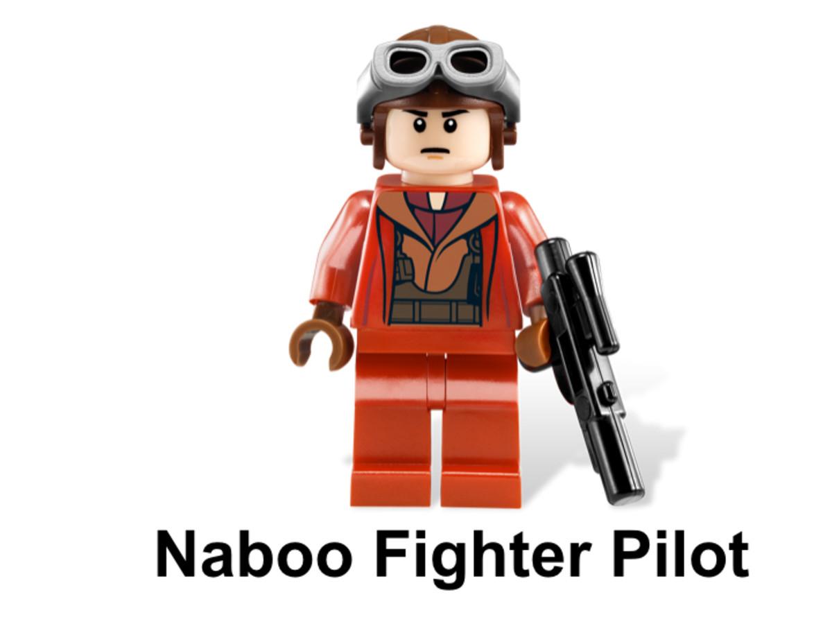 LEGO Star Wars Naboo Starfighter & Naboo 9674 Naboo Fighter Pilot Minifigure