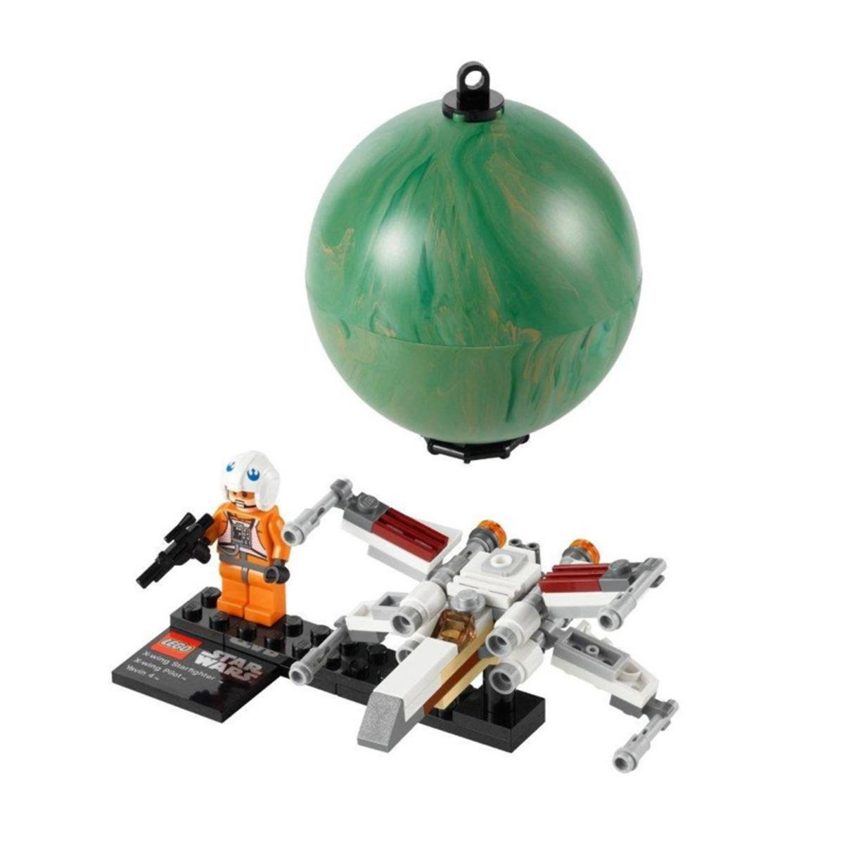 LEGO Star Wars X-Wing Starfighter & Yavin 9677 Assembled