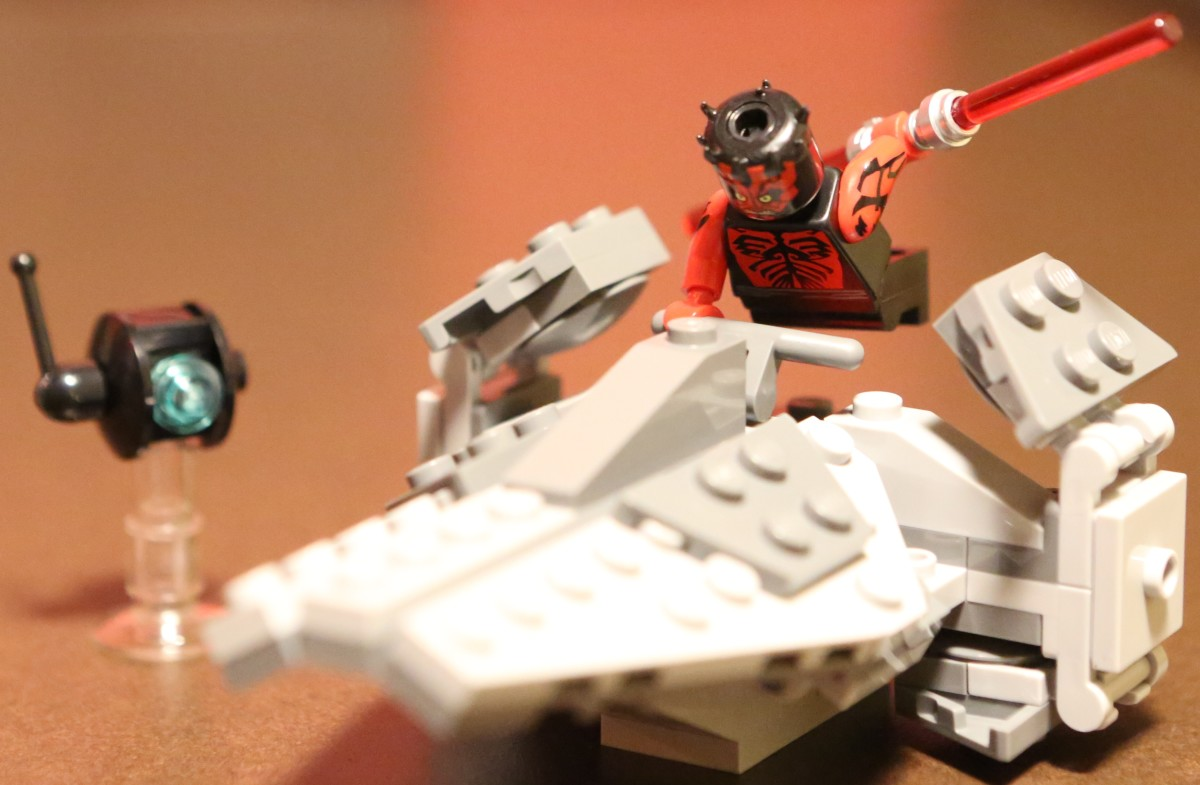 LEGO Star Wars Sith Infiltrator SDCC 2012 Assembled