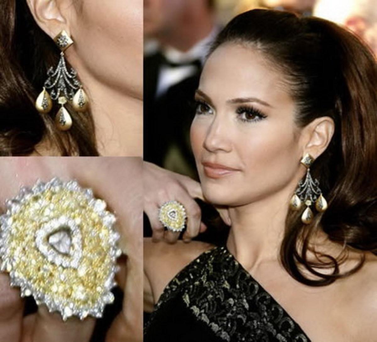 30 carats yellow diamonds