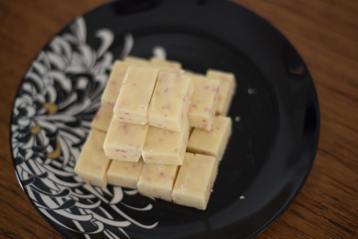White Chocolate and Strawberry Fudge