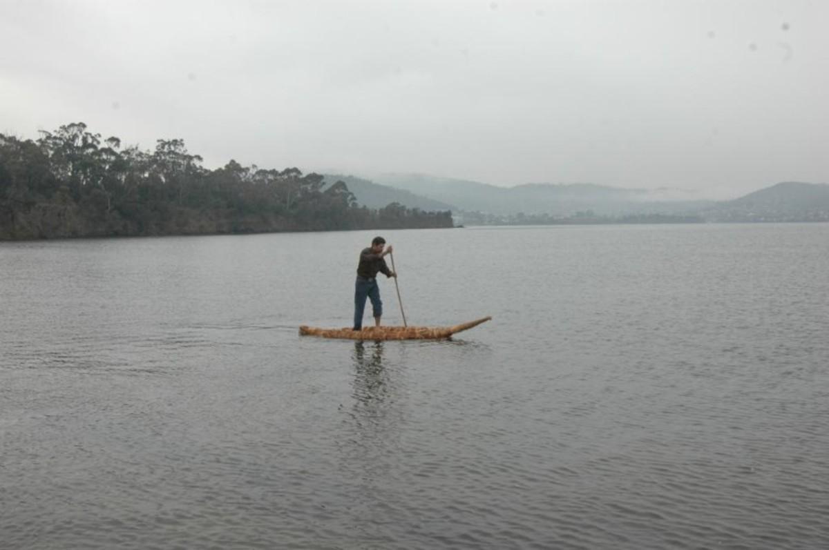 canoe replica of the Tasmanian type. Originally posted at http://www.aboriginalheritage.tas.gov.au/canoes