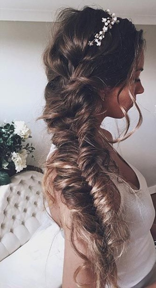 Romantic Hair braid perfect for the bride and bride's maids