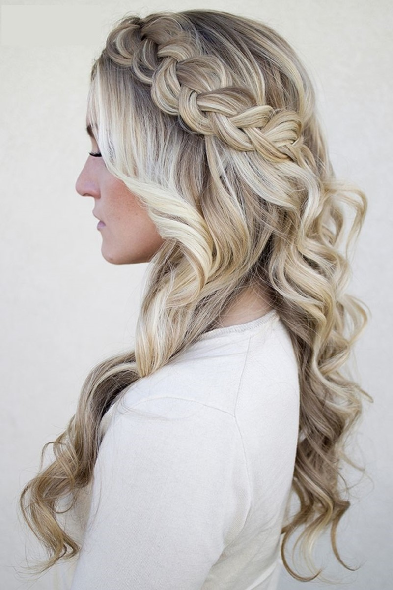 braid incorporate in ash blonde bridal hair curls
