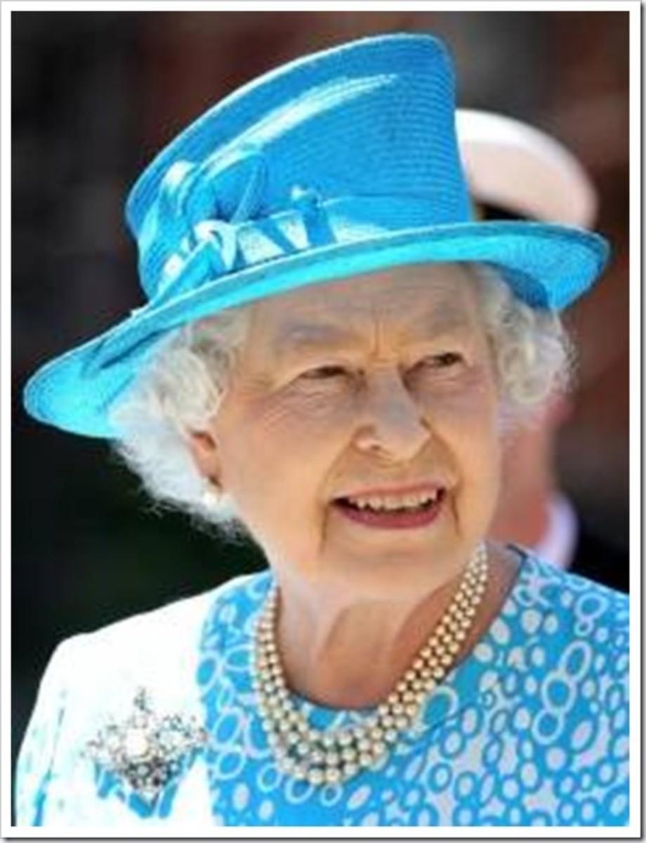Queen Elizabeth II still loves her pearls.