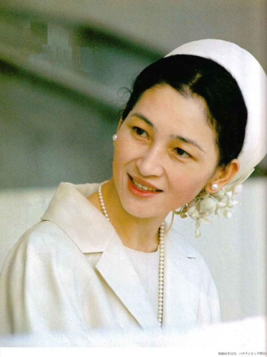 Empress Michiko of Japan wears Akoya pearls