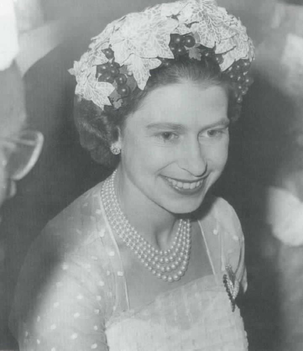 Queen Elizabeth, as a young Queen, loved her pearls.