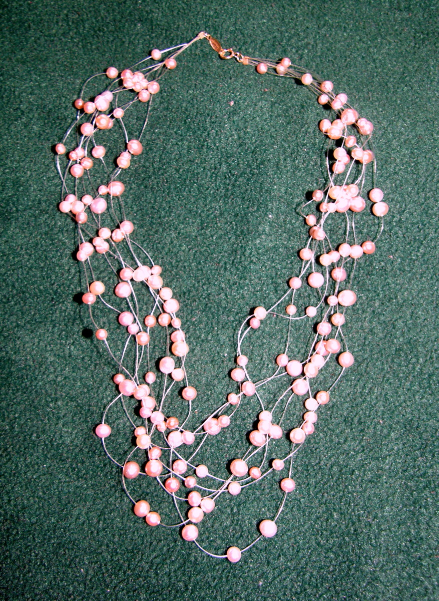 Pink multi-layers floating pearl necklace