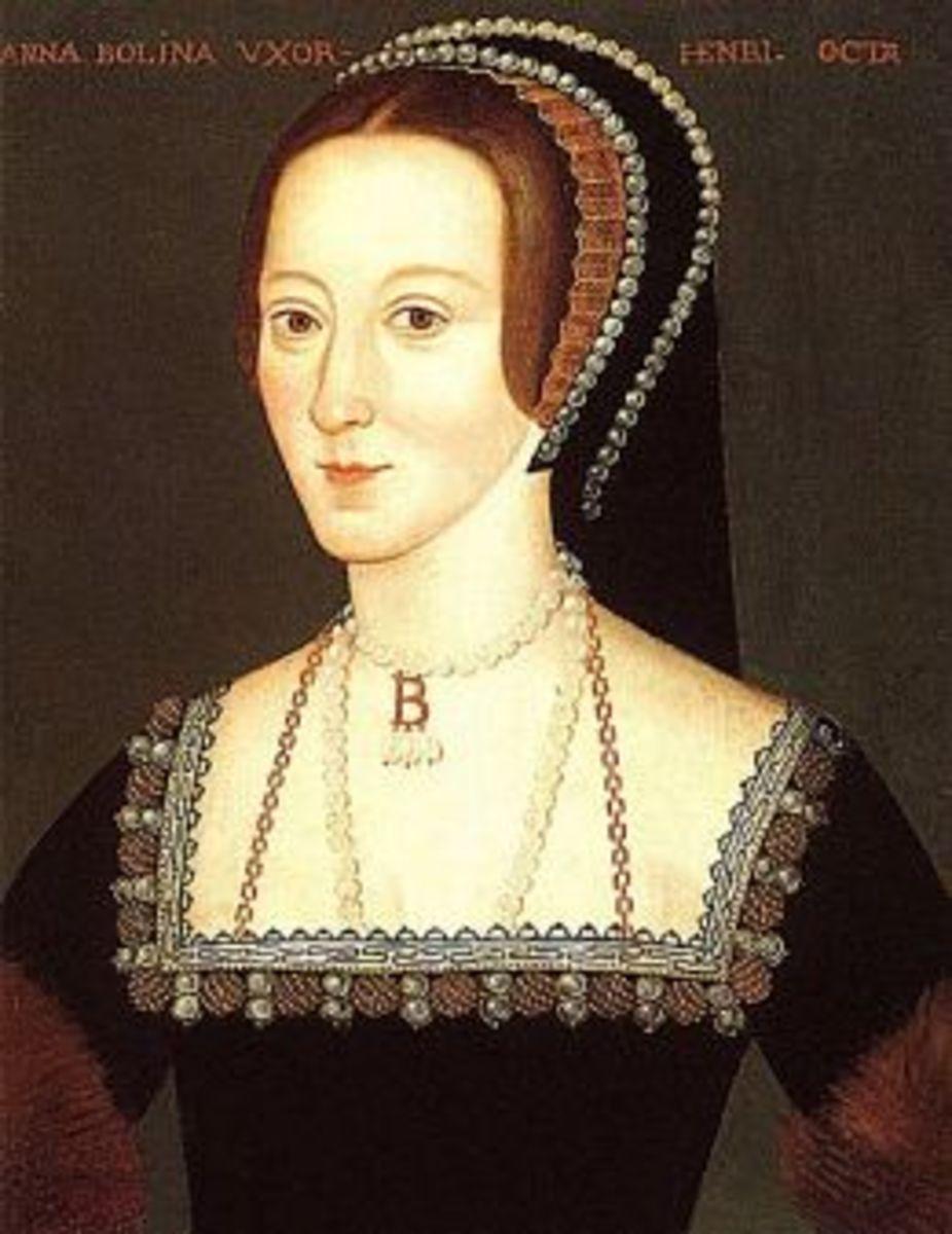 Anne Boleyn in her famous pearl necklace
