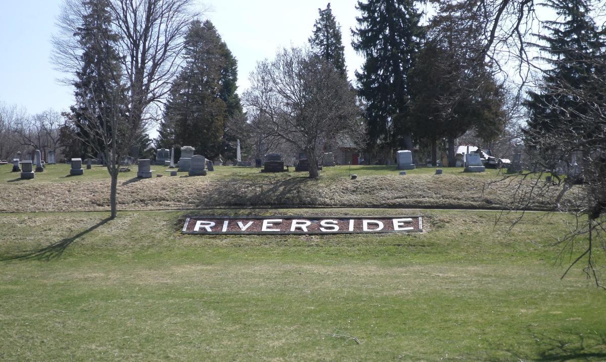 haunted-cemeteries-in-michigan
