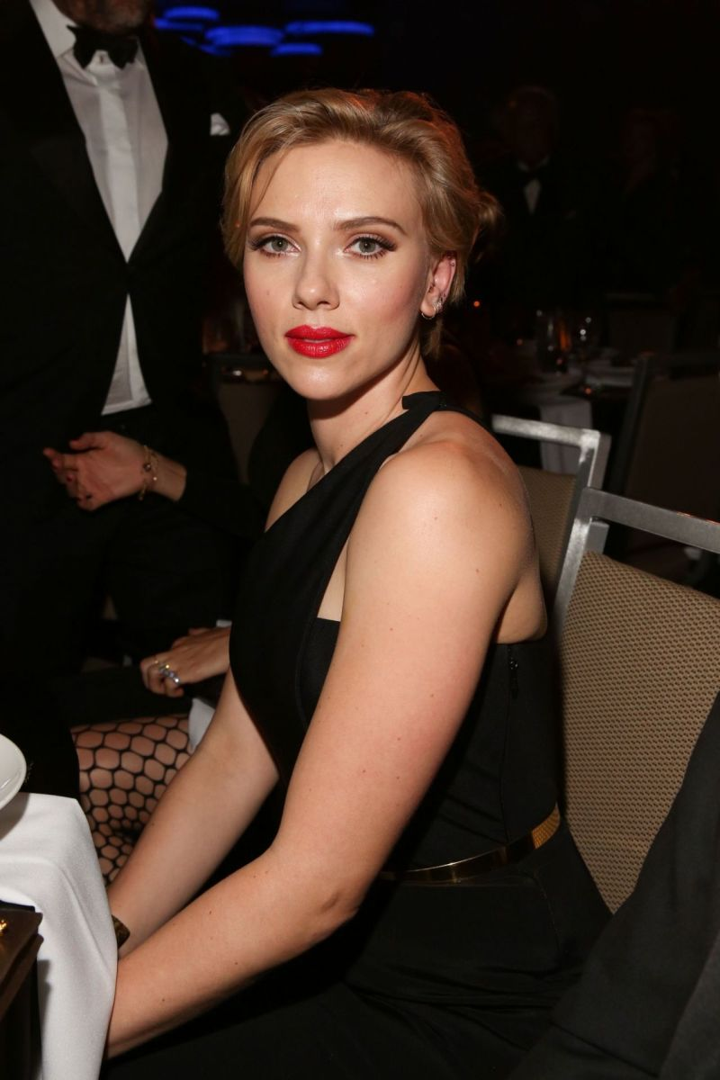 scarlett-johansson-vs-jennifer-lawrence-which-one-of-these-hollywood-actresses-is-more-beautiful