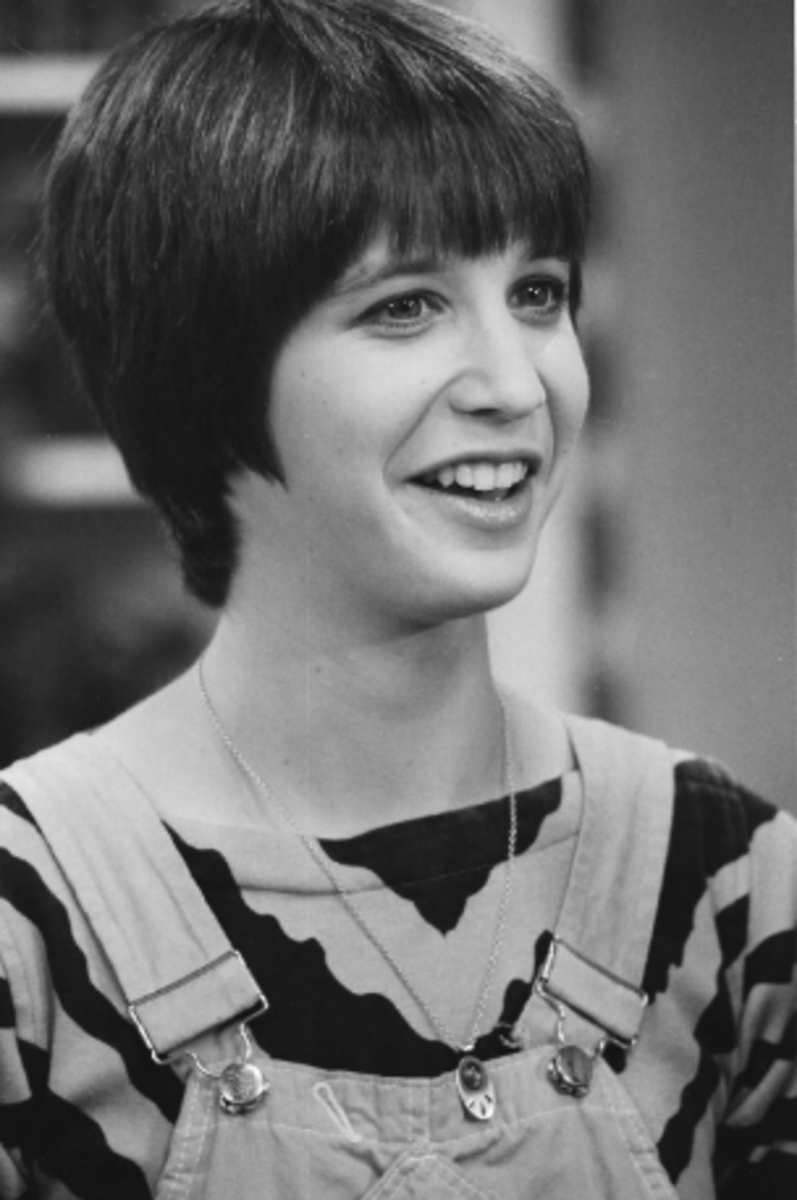 "Deena Freeman as ""April"" in Too Close for Comfort."