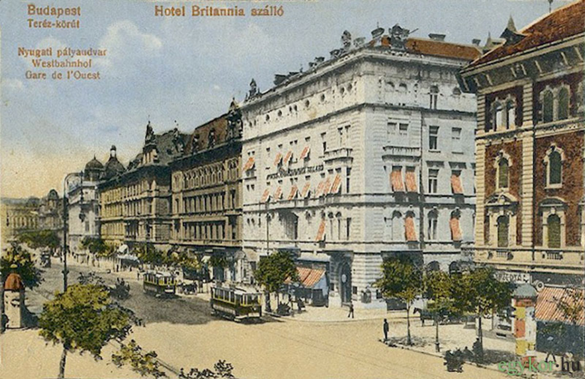 Hotel Britannia was among the high-end hotels of Budapest in the 20th century.