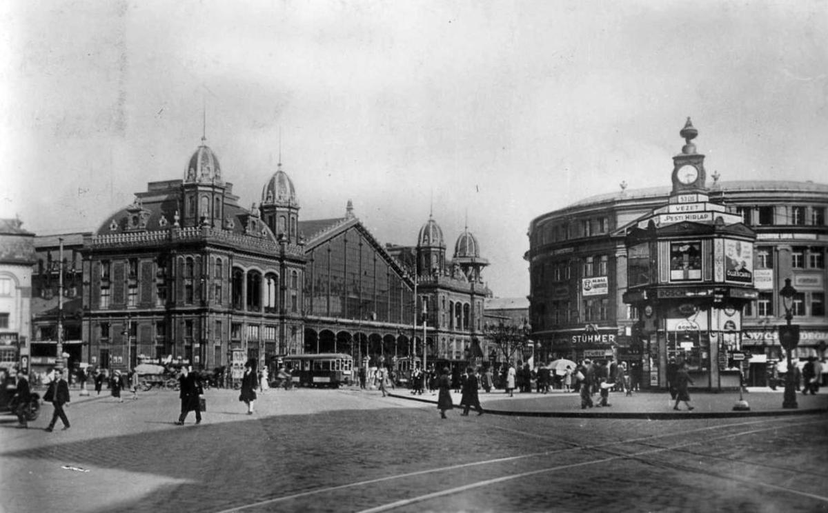Nyugati Railway Station in 1931.