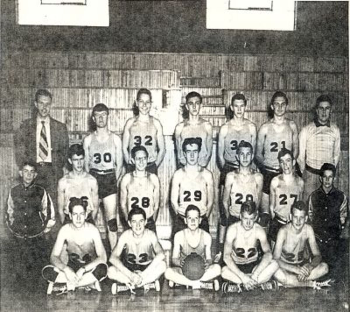 1949-50 PENDLETON HIGH SCHOOL BOYS BASKETBALL TEAM