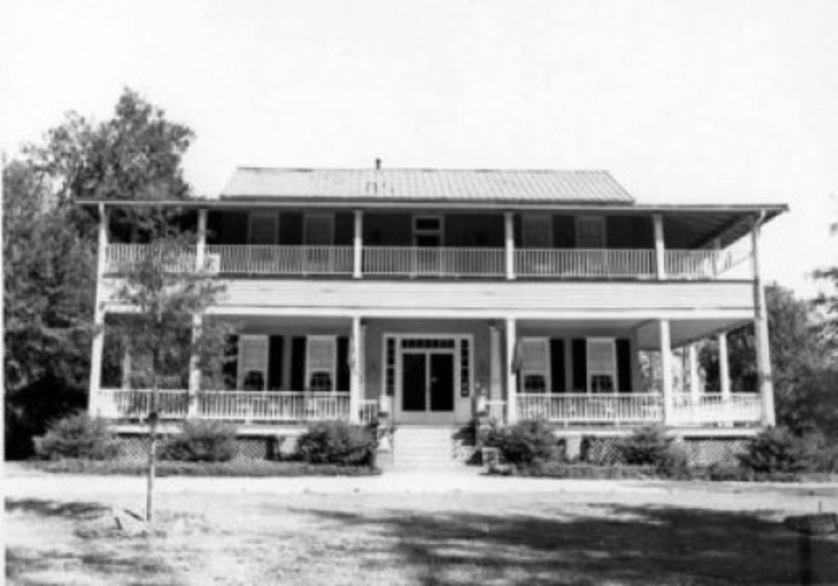 1842 LIBERTY HALL INN